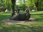 Кадр с оригинальной скульптурой в Шановском парке